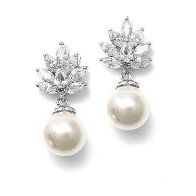 All Pearl Jewellery: Pearl Earrings, Pearl Necklaces, Pearl Combs, Pearl Bracelets