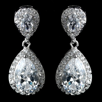 Jasmine Wedding Earring: Chic & Classic Teardrop