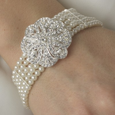 Alina Wedding Bracelet: Fine Pearls with Vintage Feature