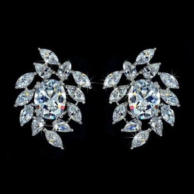 Hermoine Wedding Earring: Glittering Leaf Cluster