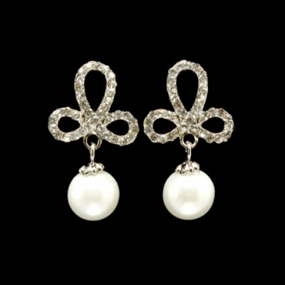 Madeline Bridal Earring: Decorative Crystals & Pearl