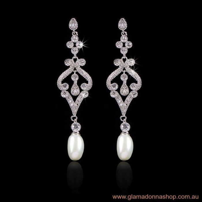 Amelie Bridal Earrings Luxe Pearl Drop Demi Size