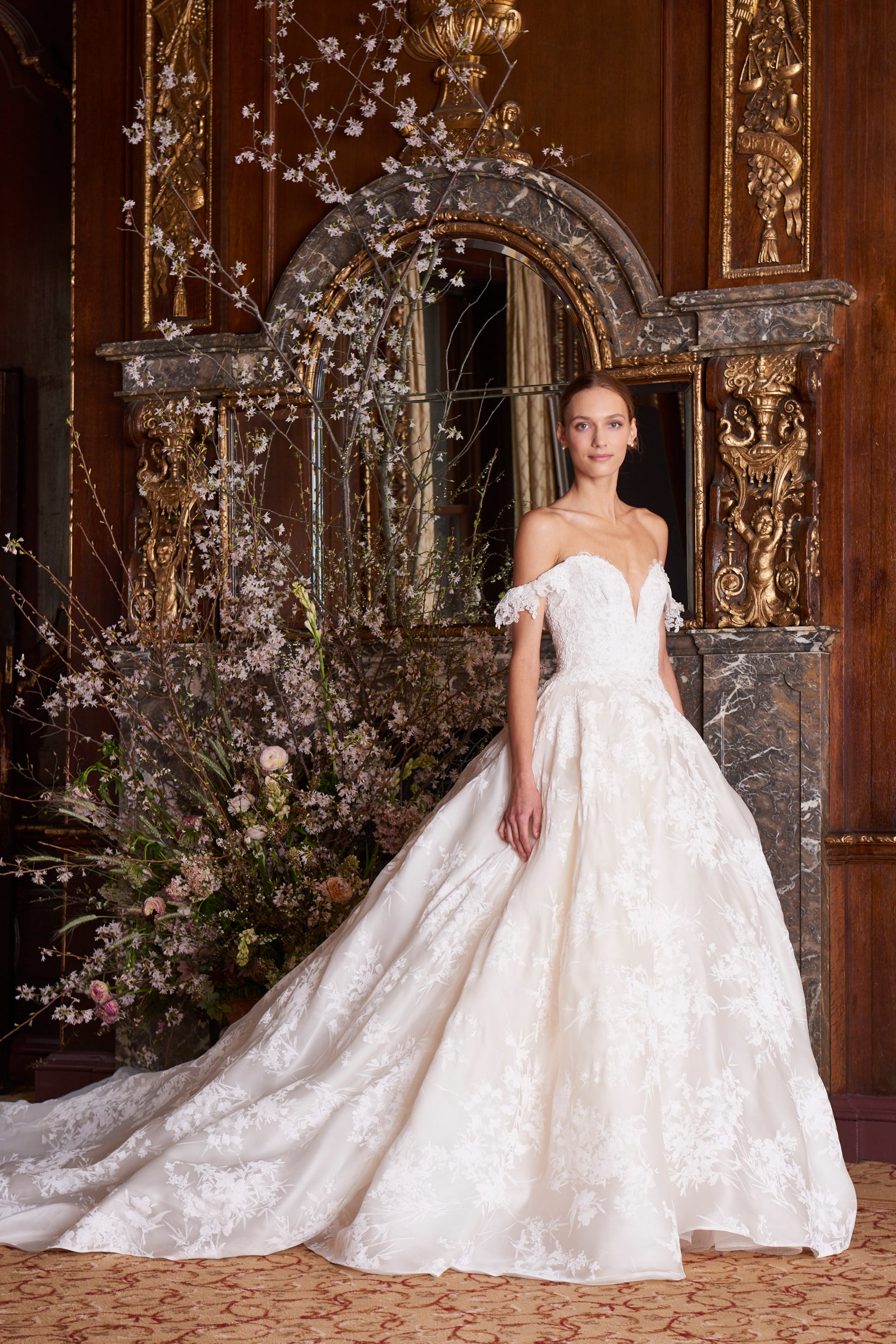 9cf420dd8a How To Match A Wedding Headpiece With The Best Wedding Dresses From ...